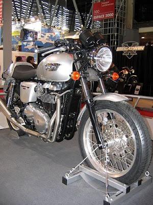 Triumph Thruxton 900, Triumph. motorcycle