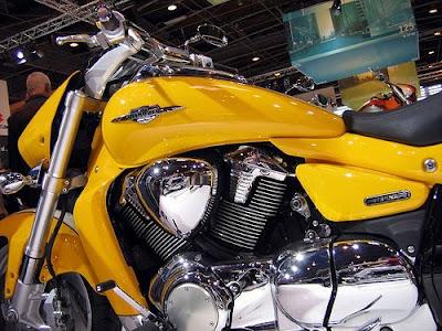 http://4.bp.blogspot.com/_et1byNF3Y70/Se-oNcRxaII/AAAAAAAAA74/FoJ3PND7sgg/s400/Suzuki+Intruder+M1800R.jpg