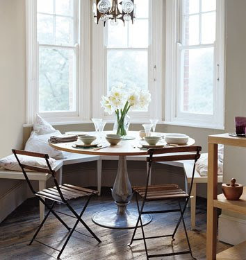 Pale green dining area - Interior Design