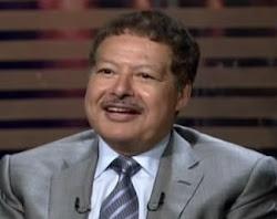 زويل = انتصار العلماء المصريين خارج مصر وخيبتهم فى مصر بسبب نظام جاهل خائن يضع الجهلاء فى الصدارة