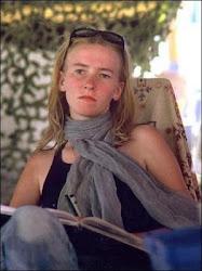 Rachel Corrie... وضيفة الشرف - قتلها الصهاينة فى 2003 لمقاومتها هدمهم  منازل رفح وعمرها 23 عاما