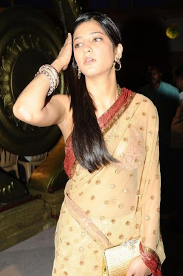 Shruti Hassan Hot wallpapers in transparent Saree unseen pics