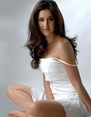 desi wallpapers. Katrina Kaif desi actress