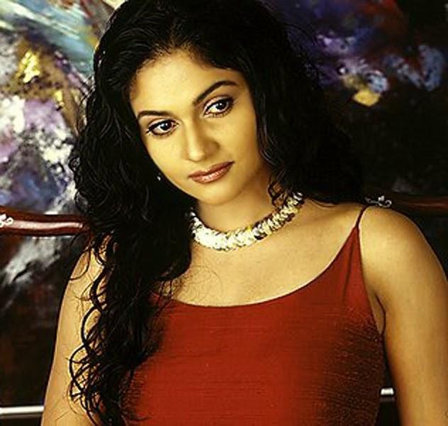 Munna bhai actress Gracy singh wallpapers | Glamorous ...