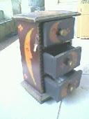 Kotak laci 3 pintu