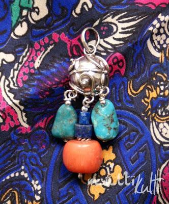 srebrny wisior z koralem, turkusem, lapis lazuli