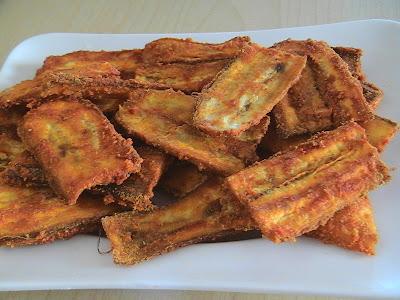 The Singing Chef Baked Kaela Phodiyo Baked Banana Fritters