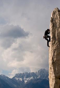 La gioia è come la stella alpina: la trovi solo in alto e tra le rocce.