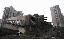 equipo aparejador - Arquitectos Técnicos - edificio caído_10