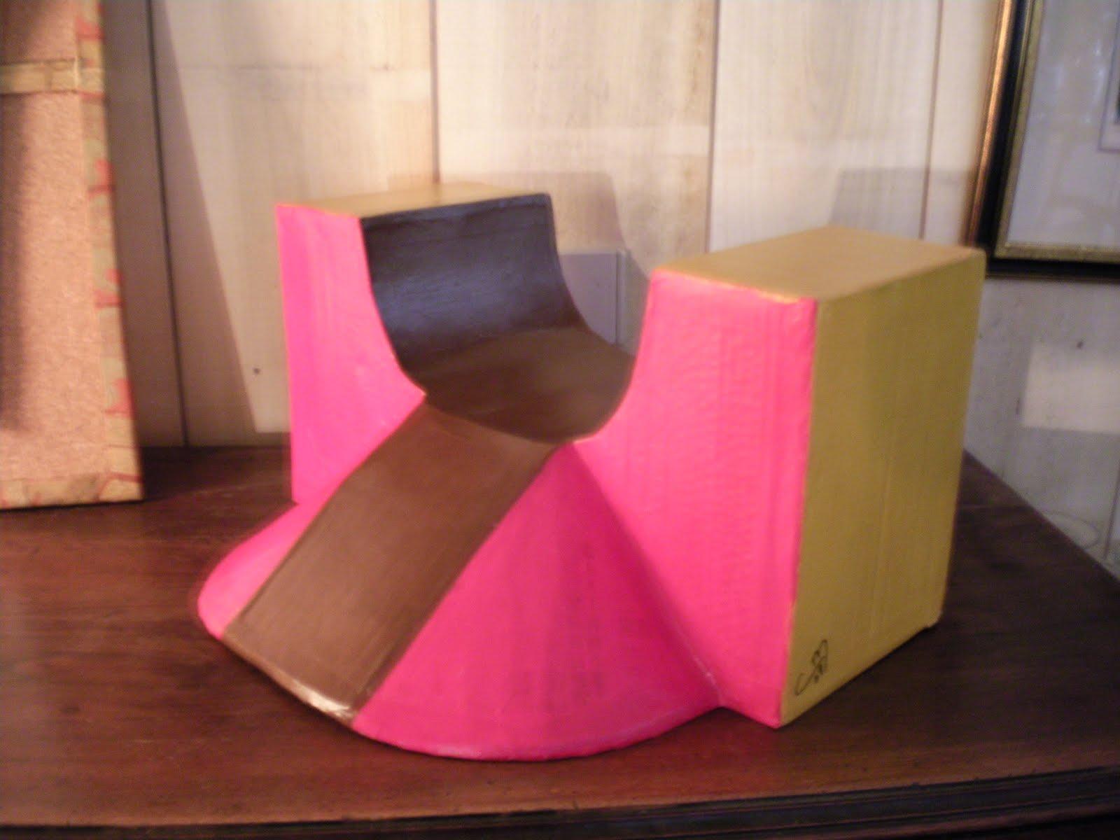 cartonnageco divers objets en carton rampe de mini skate 20 petit l. Black Bedroom Furniture Sets. Home Design Ideas