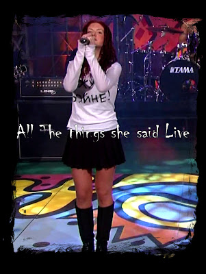 t.A.T.u. cantando All The Things She Said en vivo en Tonight Show With Jay