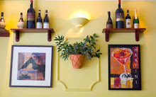 Italian restaurant wall arrangement