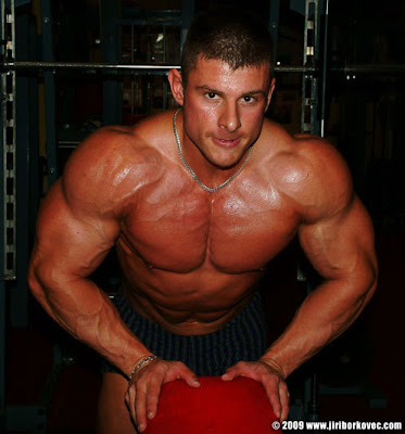 Jiri Borkovec muscle http://picsbodybuilding.blogspot.com/2009/07/jiri-borkovec-chest-workout.html