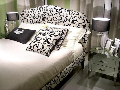 Elegant Black and White Bedroom Design Ideas