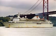 VAN GOGH ex-GRUZHIYA in Lisbon