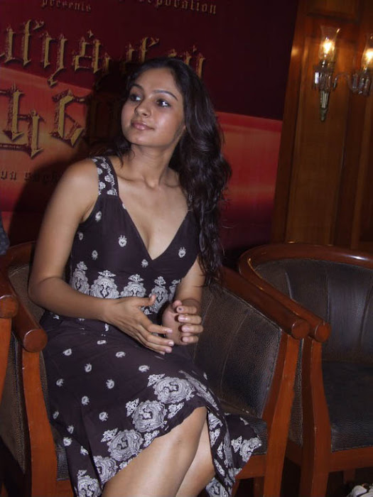 Andrea Jeremiah latest cute photos unseen pics