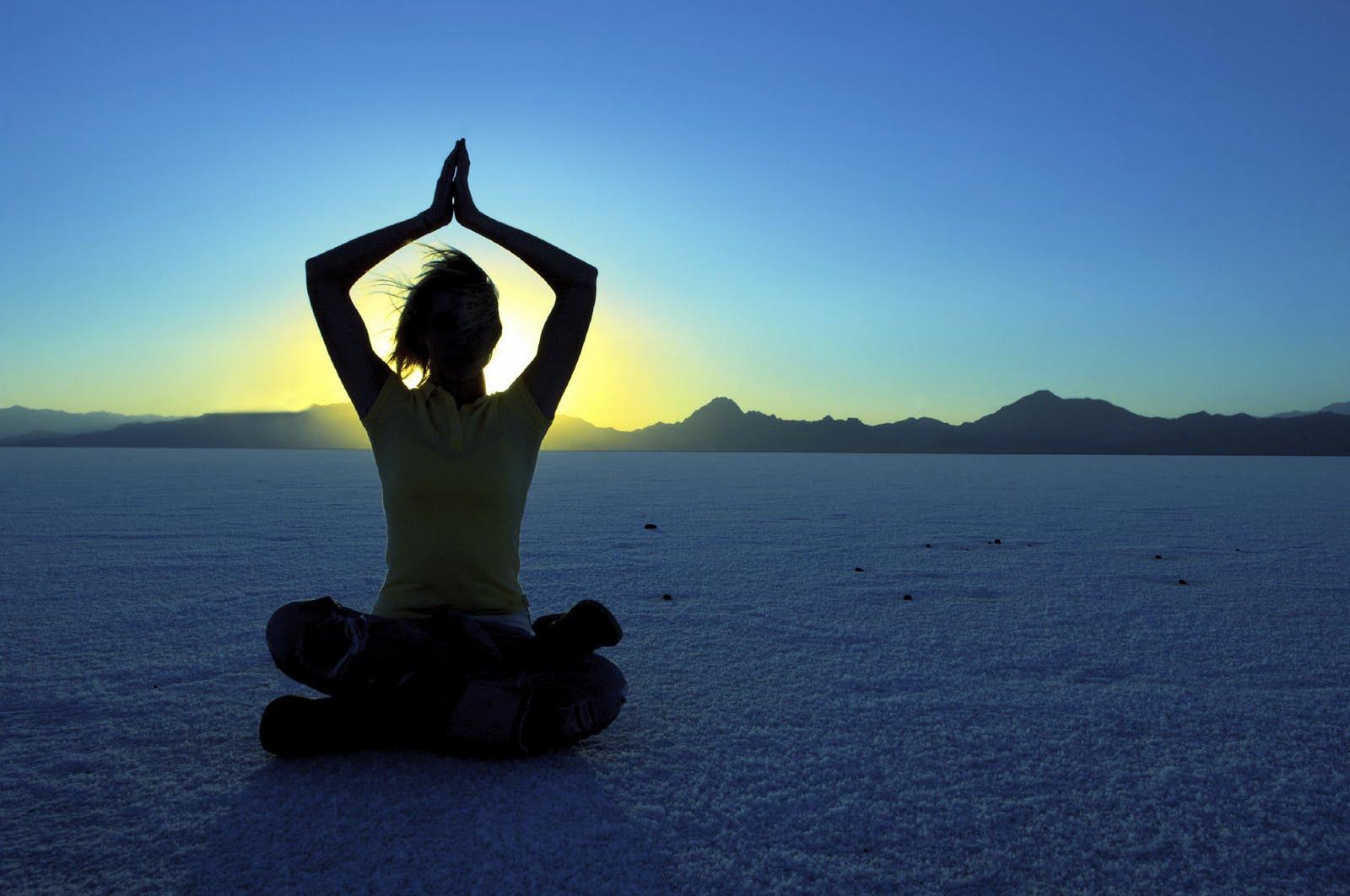 http://4.bp.blogspot.com/_f2tDRTSDQXg/TEaLN2UEX3I/AAAAAAAAANA/wlPmMtjDQzM/s1600/woman-in-meditation.jpg