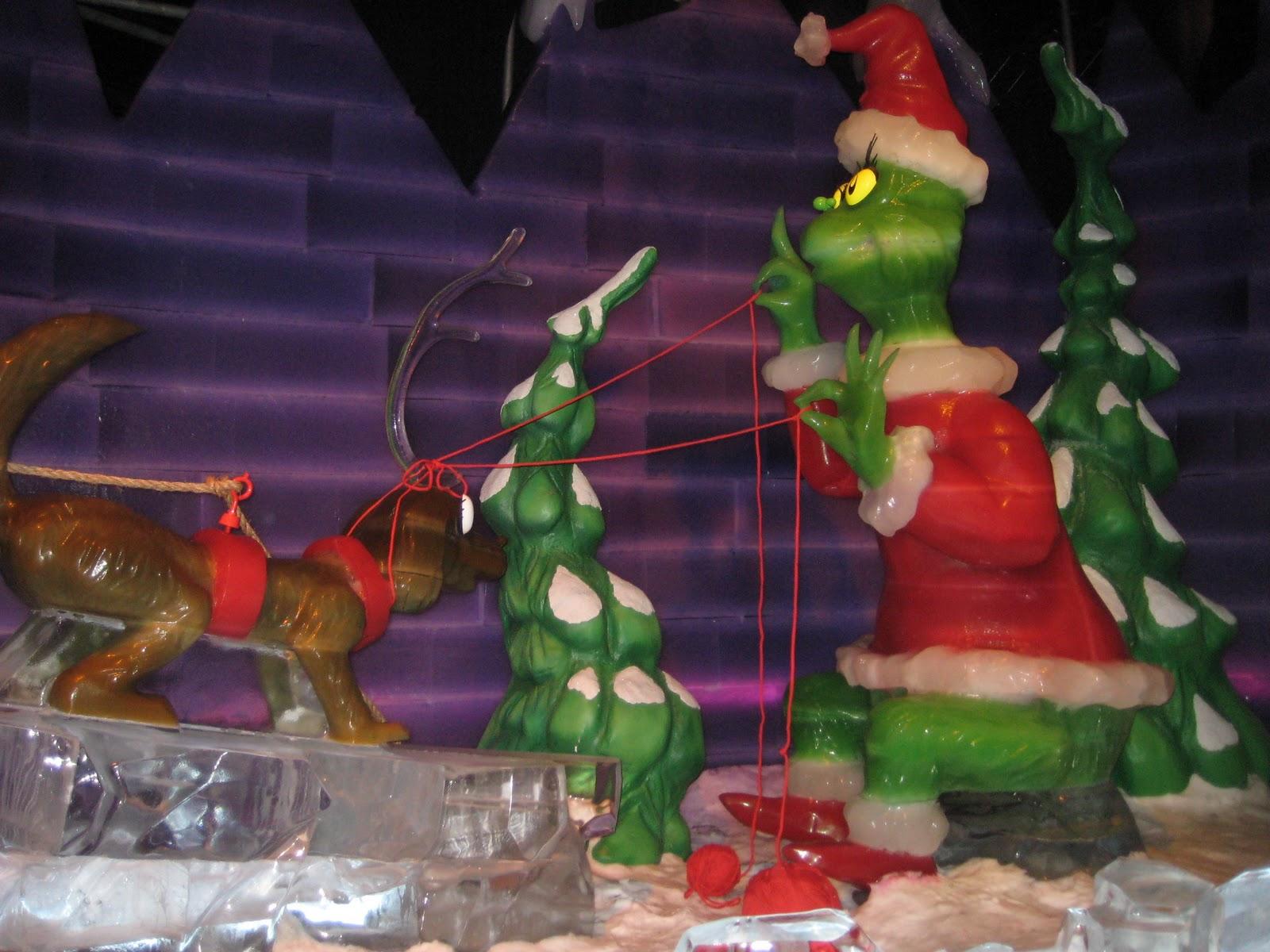Grinch christmas creeping grinch stealing lights outdoor wood yard art