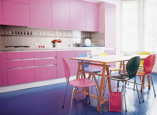 Colores para decorar como combinar el color rosa en cocinas - Cocinas rosa fucsia ...