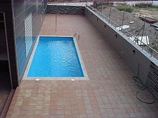 Colores para decorar abril 2010 for Piscina pequena terraza
