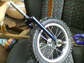 Un triciclo para niña. Foto-0020