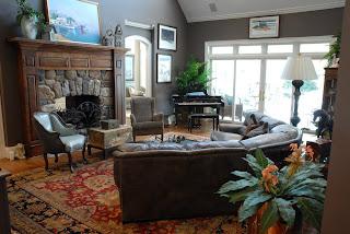mobilier living stil vechi cu semineu