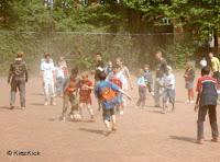 Torcedores do St. Pauli se unem para ajudar garotos do bairro