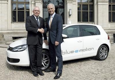 2013 Volkswagen Golf blue-e-motion