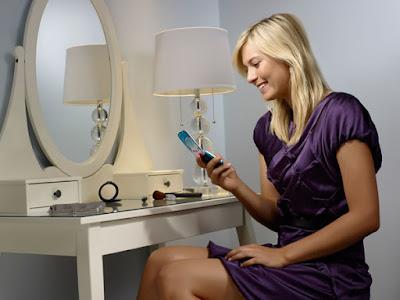 Maria Sharapova's Sony Ericsson T707 –too hot to handle!