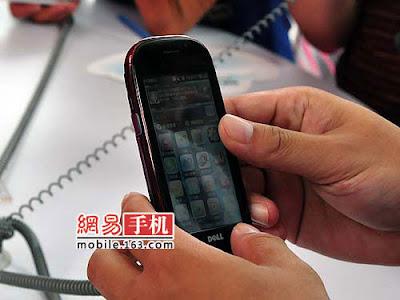 Dell Mini 3i smartphone