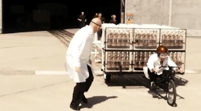 The Coke Zero and Mentos Rocket Car [Video]