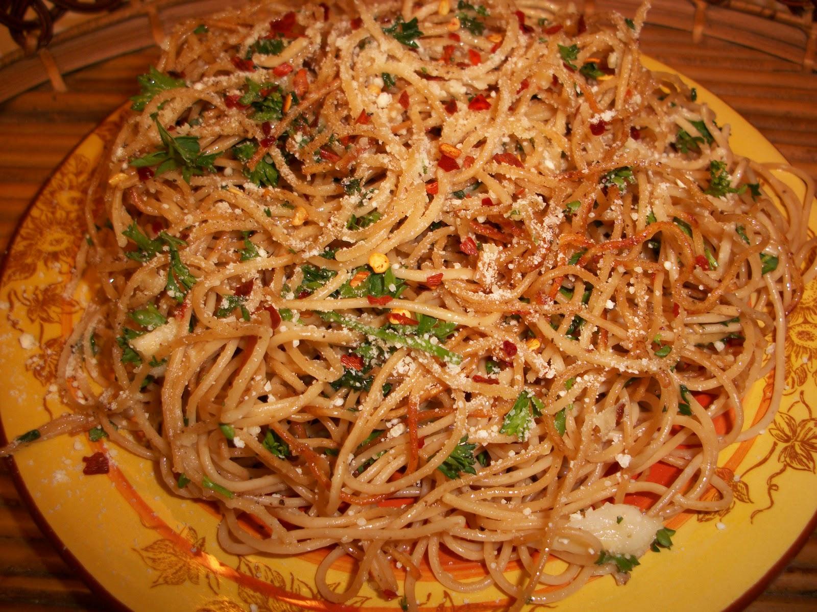 Fried Garlic Spaghetti With Parsley