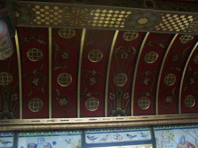 the arkansan anglophile: looking up at cardiff castle