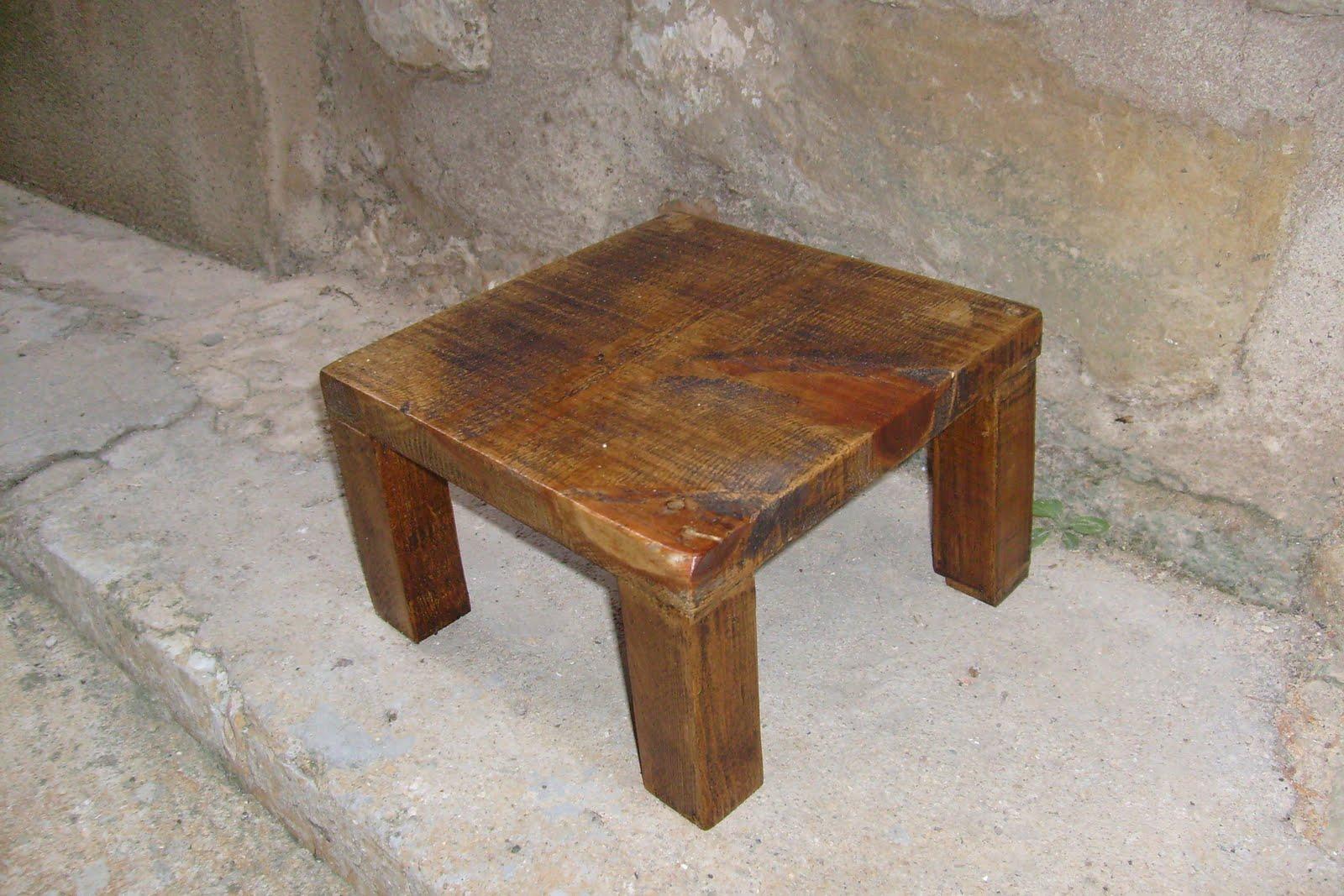 Muebles de antes mesa chill out y sus hijos taburetes - Muebles chill out baratos ...