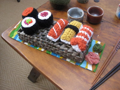 Free Amigurumi Patterns: Shrimp and Sushi crochet play food