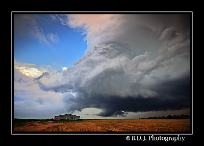 Photogenic supercell from 6/14/09 storm Paducah, TX