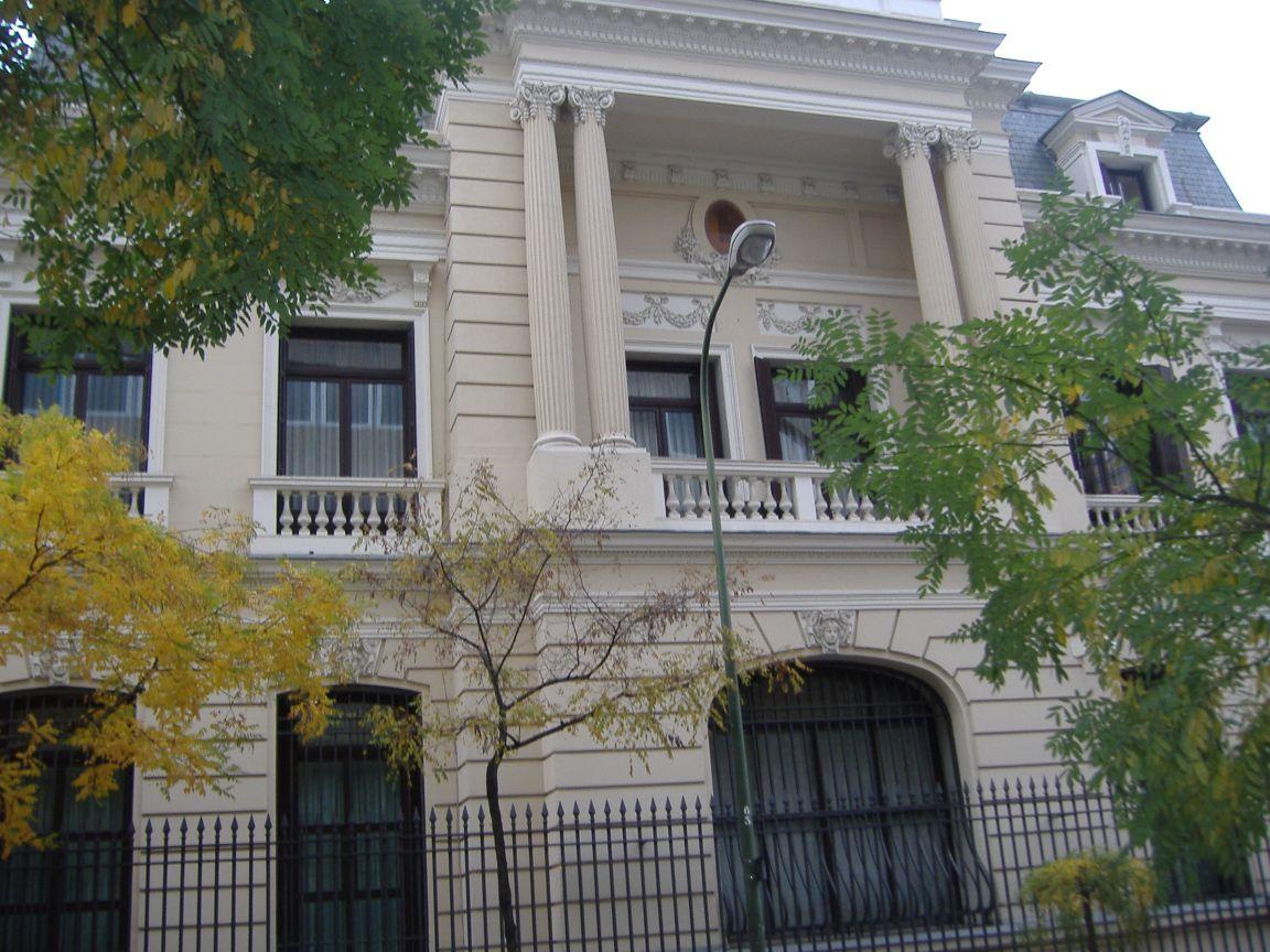 Conocer madrid distrito de chamber edificios for Edificio de la comunidad de madrid