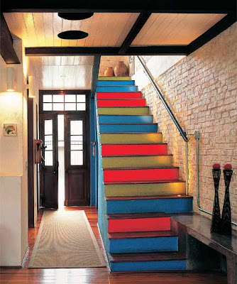 escada de madeira residencial
