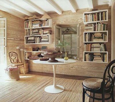 estantes de madeira