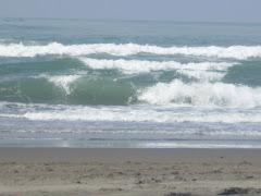 keindahan pantai paris