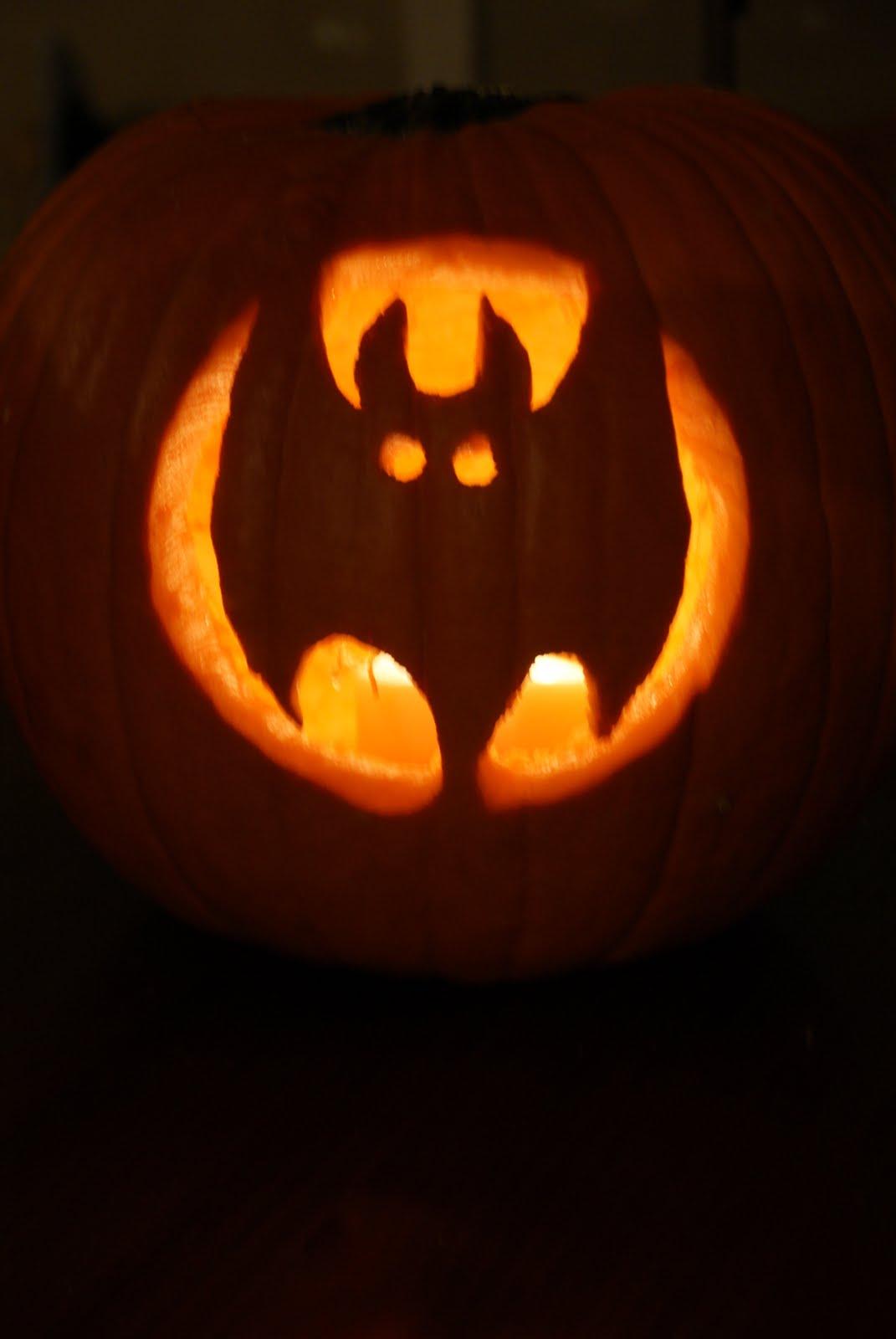 The gallery for bat pumpkin designs for Pumpkin eating pumpkin stencil