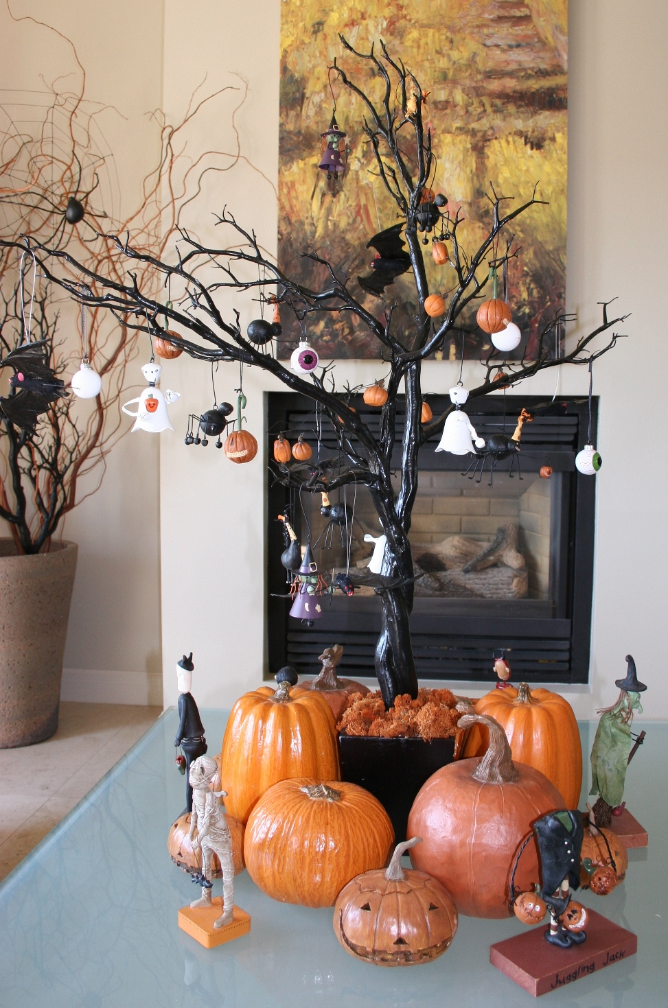 Los smees o hallowed halloween for Creepy trees for halloween