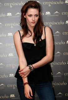 Kristen Stewart Pictures Leaked on Kristen Stewart And Her Co Worker Robert Pattinson Just Can T Get