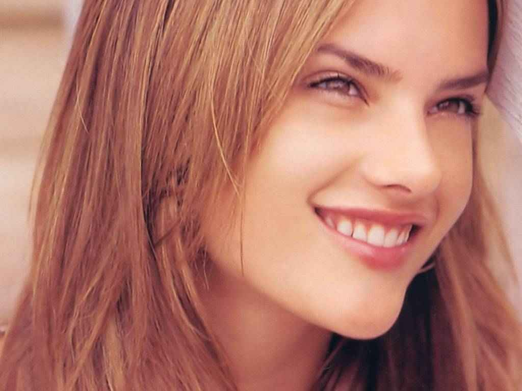 http://4.bp.blogspot.com/_fCAtMdq3Ayo/TQtxWa6ucPI/AAAAAAAABwk/24RK75sEjtk/s1600/Alessandra+Ambrosio.jpg