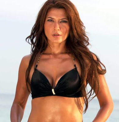 Tamara Blezinsky with bikini