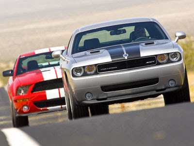 Wallpapers - Dodge Challenger SRT8 (2008) vs. Ford Shelby GT500 (2008)
