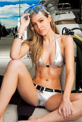 Emmi Moore Bikini 9 Emmi Moore Swimsuit Model | Australia Hot Babes Emmi ...