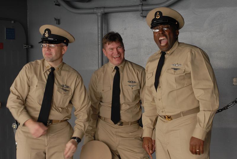 http://4.bp.blogspot.com/_fECXhtX6uh0/TEOZlG6-mLI/AAAAAAAAC3I/pUa-bTv8H-E/s1600/navy+chiefs.jpg