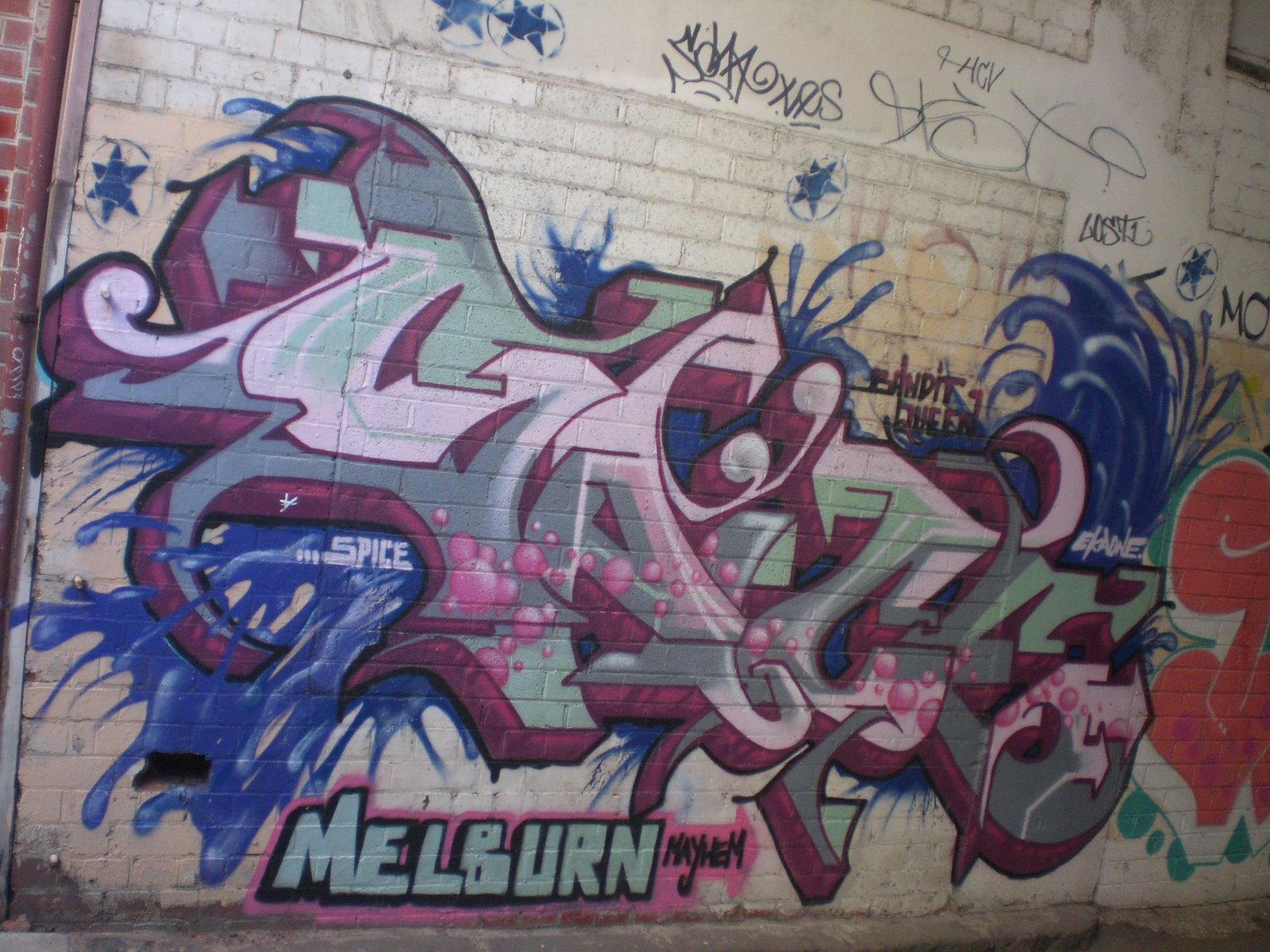 graffiti in melbournes laneways Top 6 street art laneways in melbourne  together, they created the beautiful street art mural as a part of the city's graffiti mentoring project union lane.