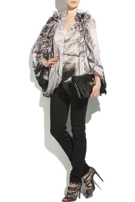 [Roberto_Cavalli_Studded_Leather_Sandals_002.jpg]